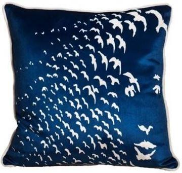 Resim Yastıkminder Kadife Lacivert Uçan Sürü Kuşlar  Baskılı Yastık