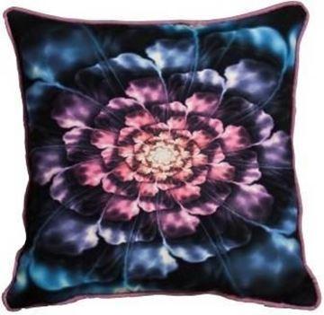 Resim Yastıkminder Kırmızıdan Maviye Açan Çiçek Baskılı Yastık