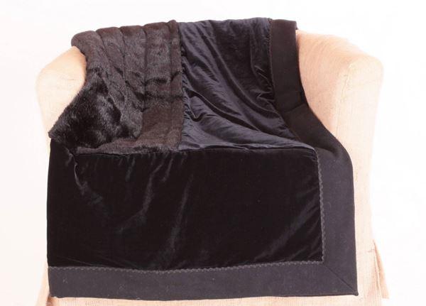 resm İpek Kadife Kaşmir Pelüş Kürk Siyah 150x150 Dekoratif Kanepe Şalı