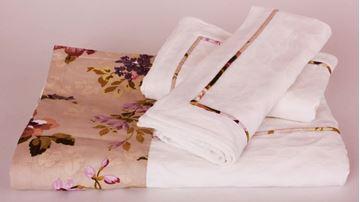 Resim Koton Beyaz Kenar Bantı Mor Çiçekler Aplikeli Pike Takımı