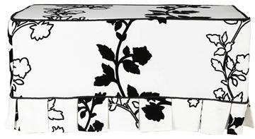 Resim Koton Flok Çiçek Desenli Siyah Fitilli Beyaz Puf