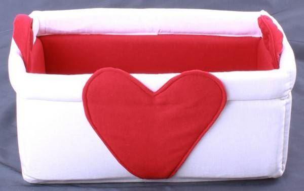 resm Kırmızı Beyaz Kalp Figürlü Çok Amaçlı Derleme Kabı